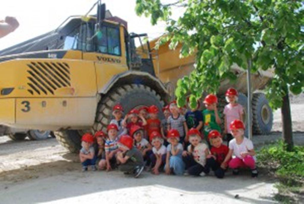 post2-djeca_u_tvornici_cementa